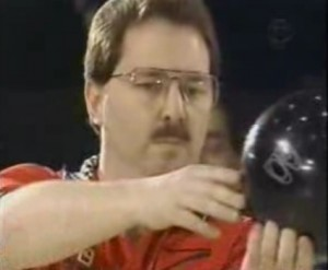 mike-aulby-pre-shot-routine-bowling-ball